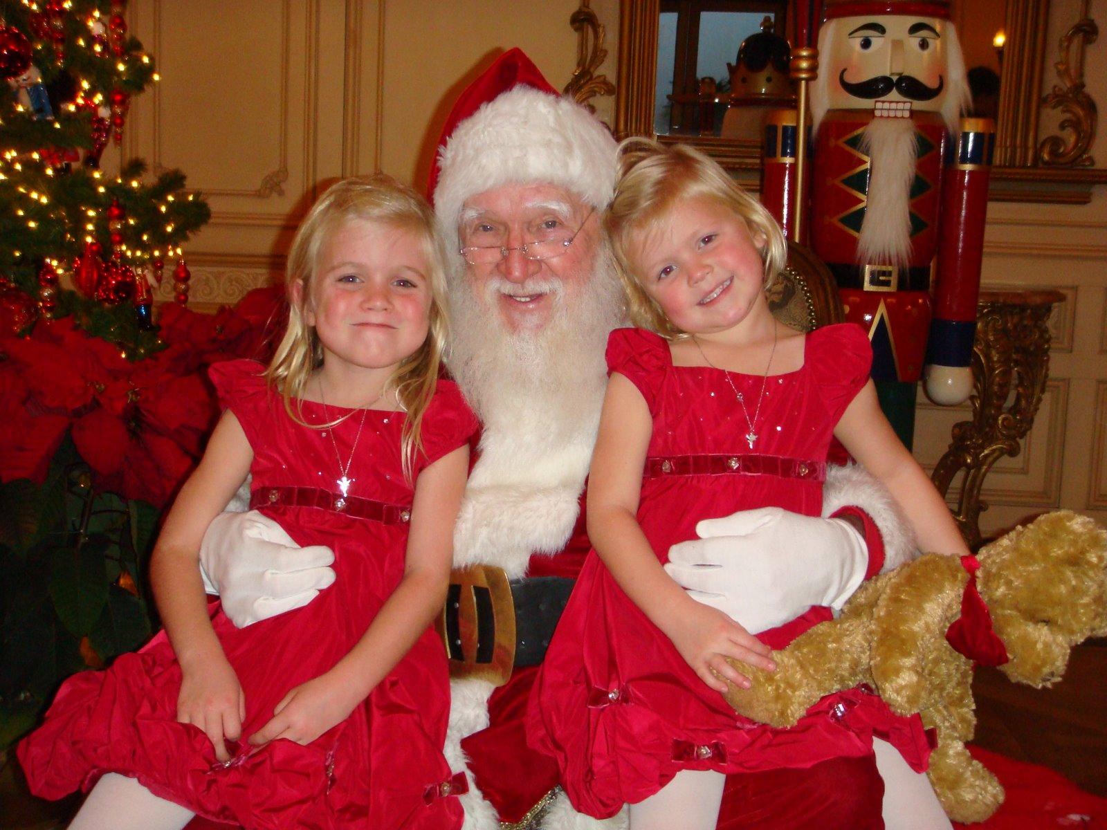 Papá Noel con niños