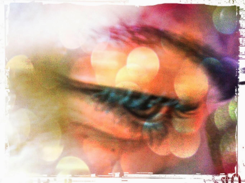 """""""Seus olhos tão negros..."""