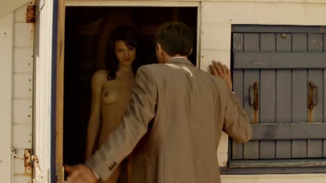 naisnäyttelijät alasti Mantta-Vilppula
