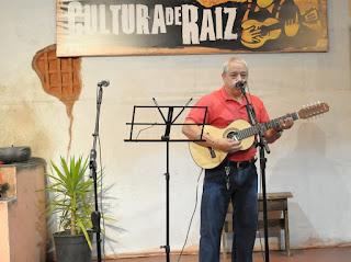Cultura de Raiz apresenta Moacir Rosa