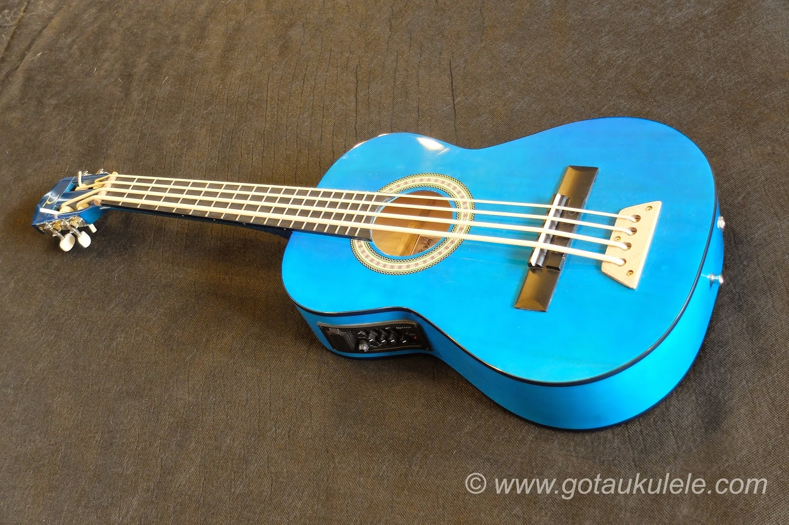 Buzzards Field Bass Afan Ukulele