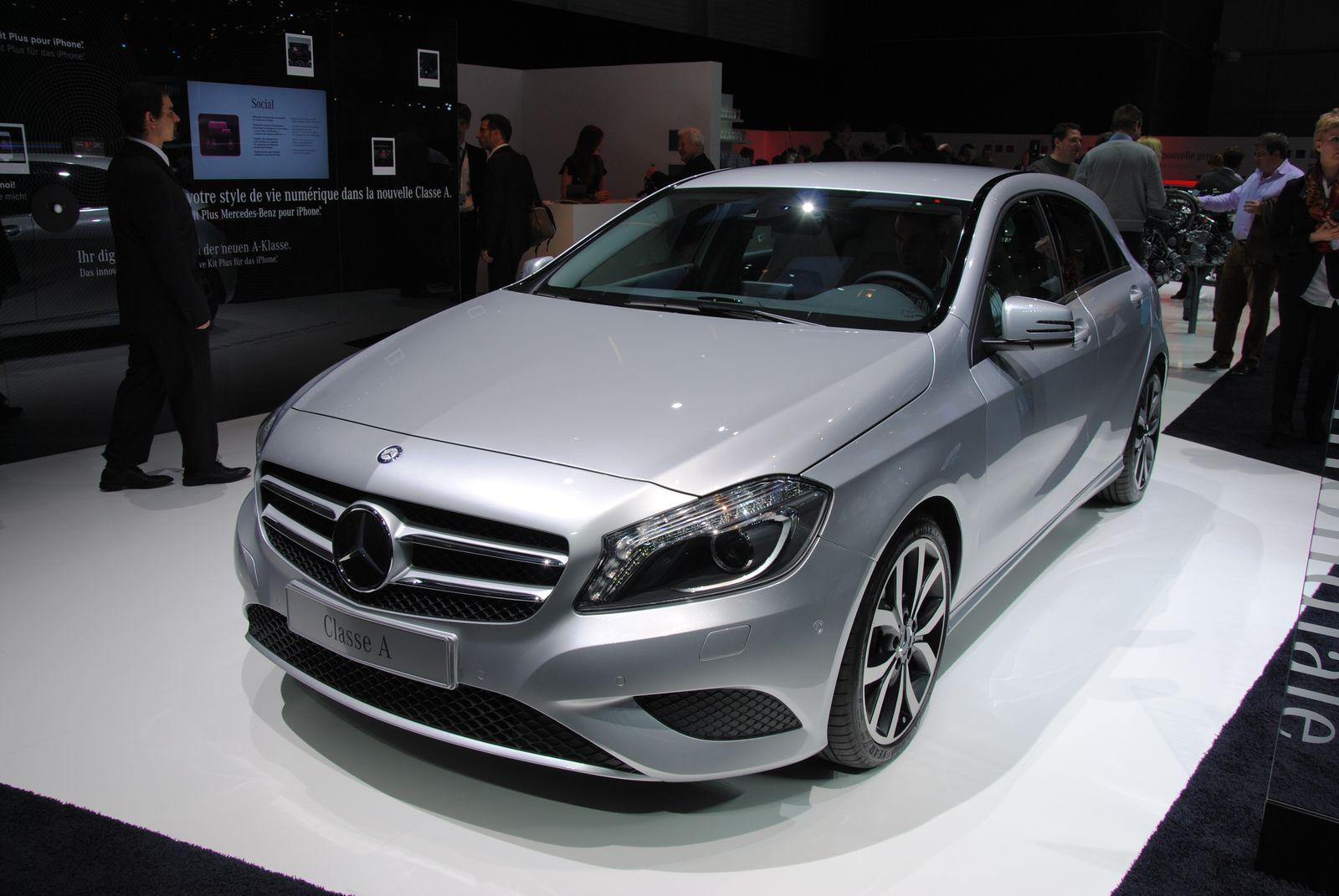 voitures et automobiles la nouvelle mercedes classe a 2012. Black Bedroom Furniture Sets. Home Design Ideas