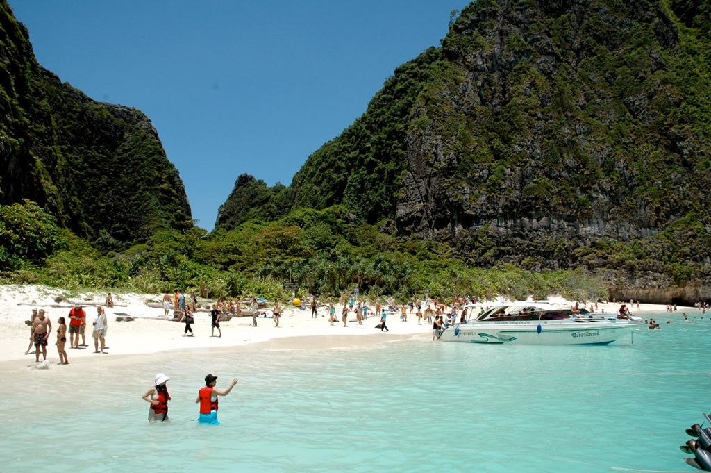 phi islands and favorite place Now $115 (was $̶1̶4̶2̶) on tripadvisor: phi phi island village beach resort, ko phi phi don see 3,037 traveler reviews, 7,053 candid photos, and great deals for phi phi island village beach resort, ranked #2 of 38 hotels in ko phi phi don and rated 45 of 5 at tripadvisor.