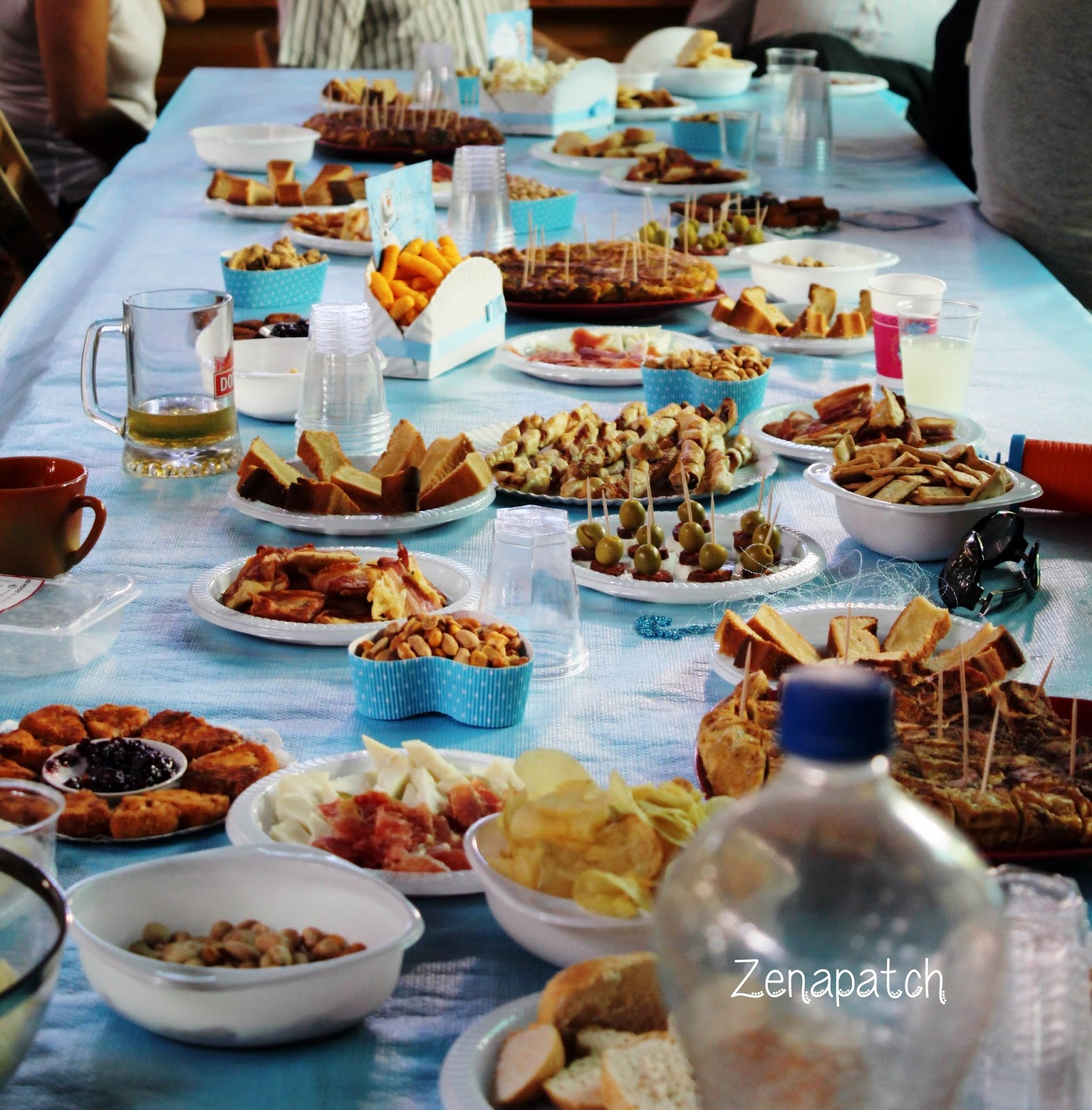 Zenapatch 10 ideas para una fiesta frozen con for Mesas dulces cumpleanos adultos