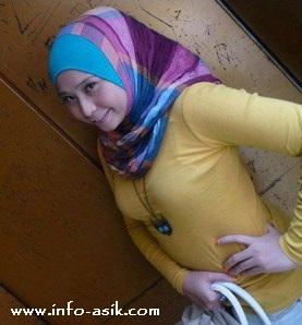 cewek jilbab seksi