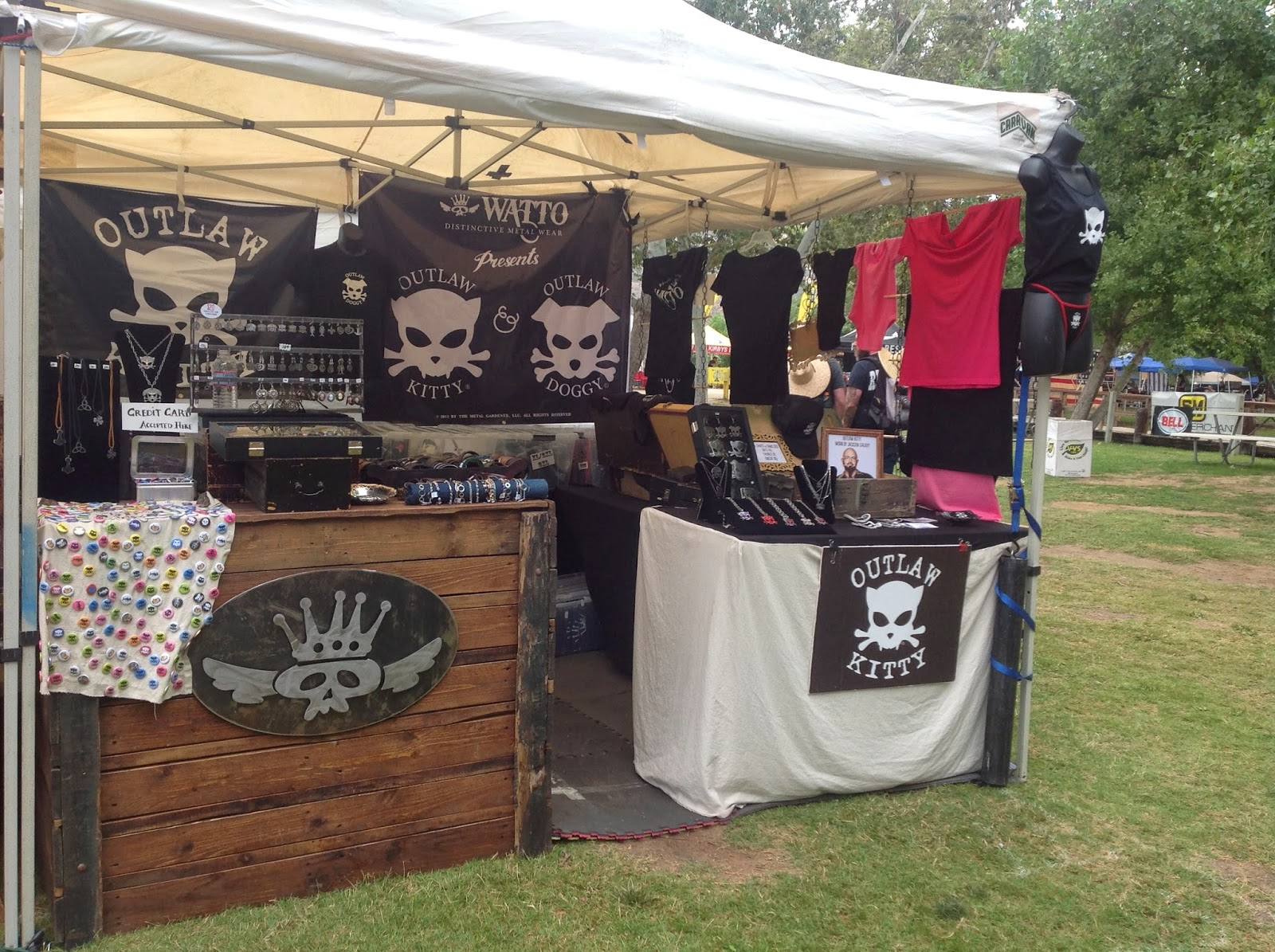 Outlaw Kitty and Outlaw Doggy booth at Born Free 6