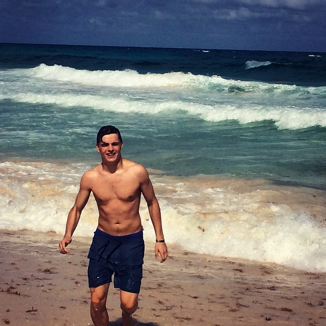 The Stars Come Out To Play: Martin Garrix - New Shirtless