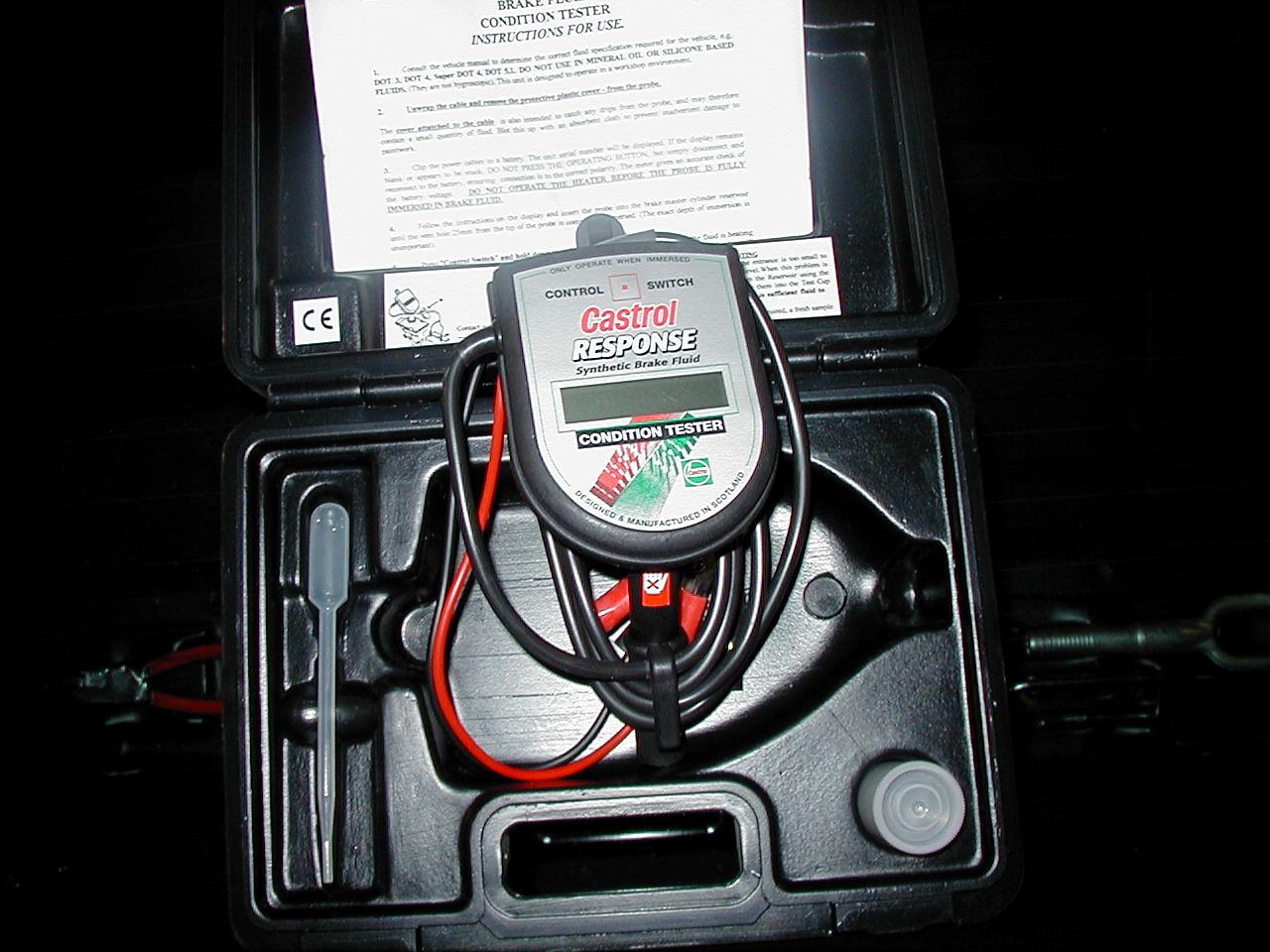Comment utiliser un testeur de liquide de frein comment fait - Comment utiliser un tournevis testeur ...