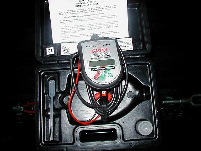 Comment utiliser un testeur de liquide de frein comment fait - Utiliser tournevis testeur ...