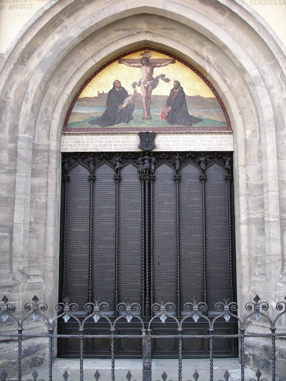 martin luther 95 thesis church 95 theses on martin luther against the self-indulgences of the modern church article by carl trueman october 2012 october is the month in which we typically remember and celebrate the reformation.