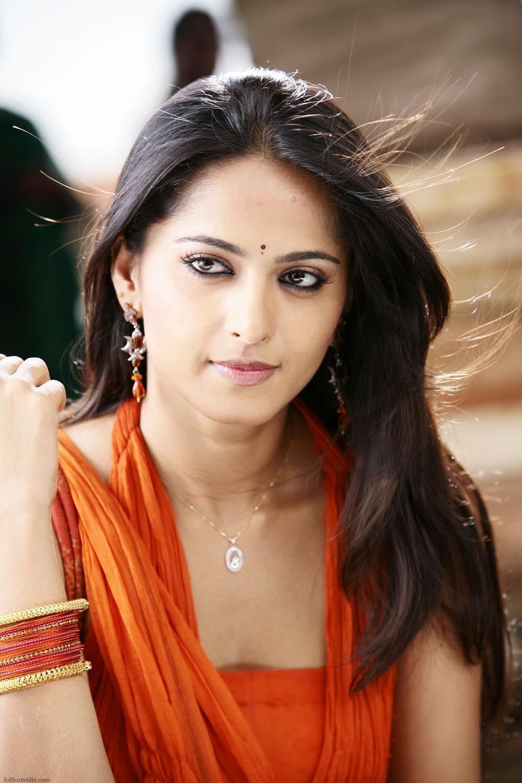 Anushka Shetty Cute High Resolution(HD) Quality 1200*1600 ...