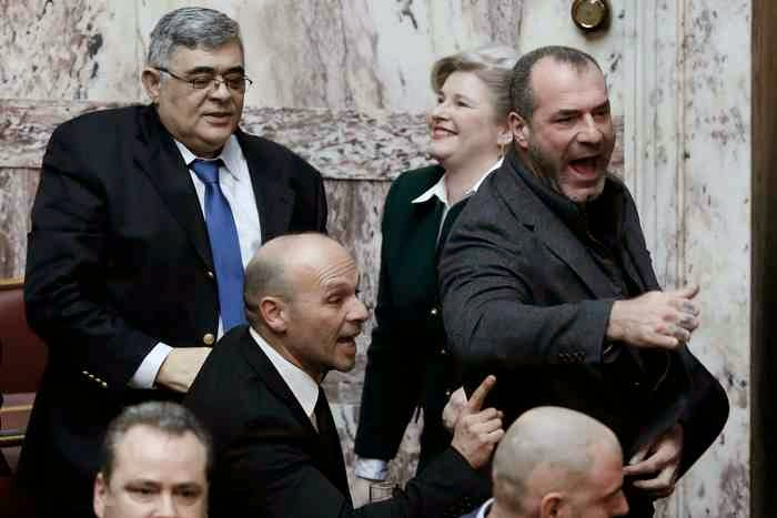 Μήνυμα φωτιά ανάρτησε ο Νίκος Μίχος, υποψήφιος Βουλευτής Ευβοίας - Ο Νίκος Μίχος είναι Πολιτικά διωκόμενος για τις Ιδέες του από την Χούντα της συγκυβέρνησης Βενιζέλου - Σαμαρά