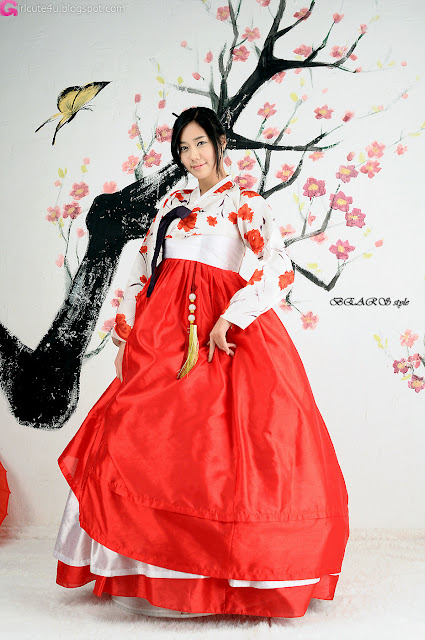 4 Kim Ha Yul in Hanbok-very cute asian girl-girlcute4u.blogspot.com