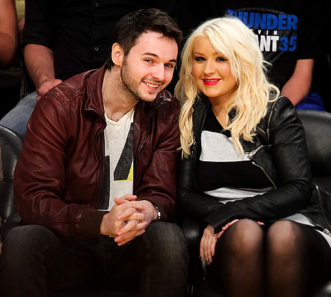 Chatter Busy: Christina Aguilera Dating: http://chatterbusy.blogspot.com/2013/01/christina-aguilera-dating.html