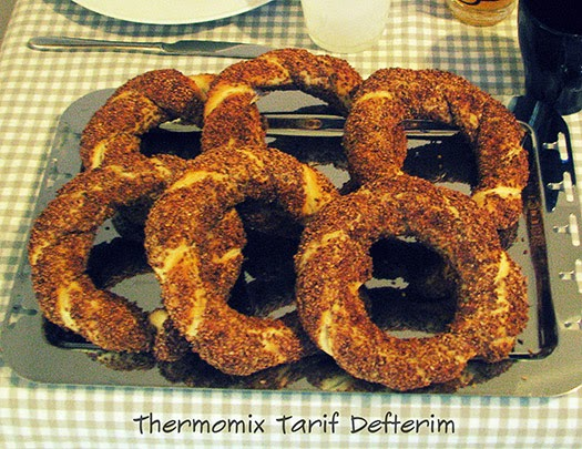 Simit : Turkish Sesame Bread Rings