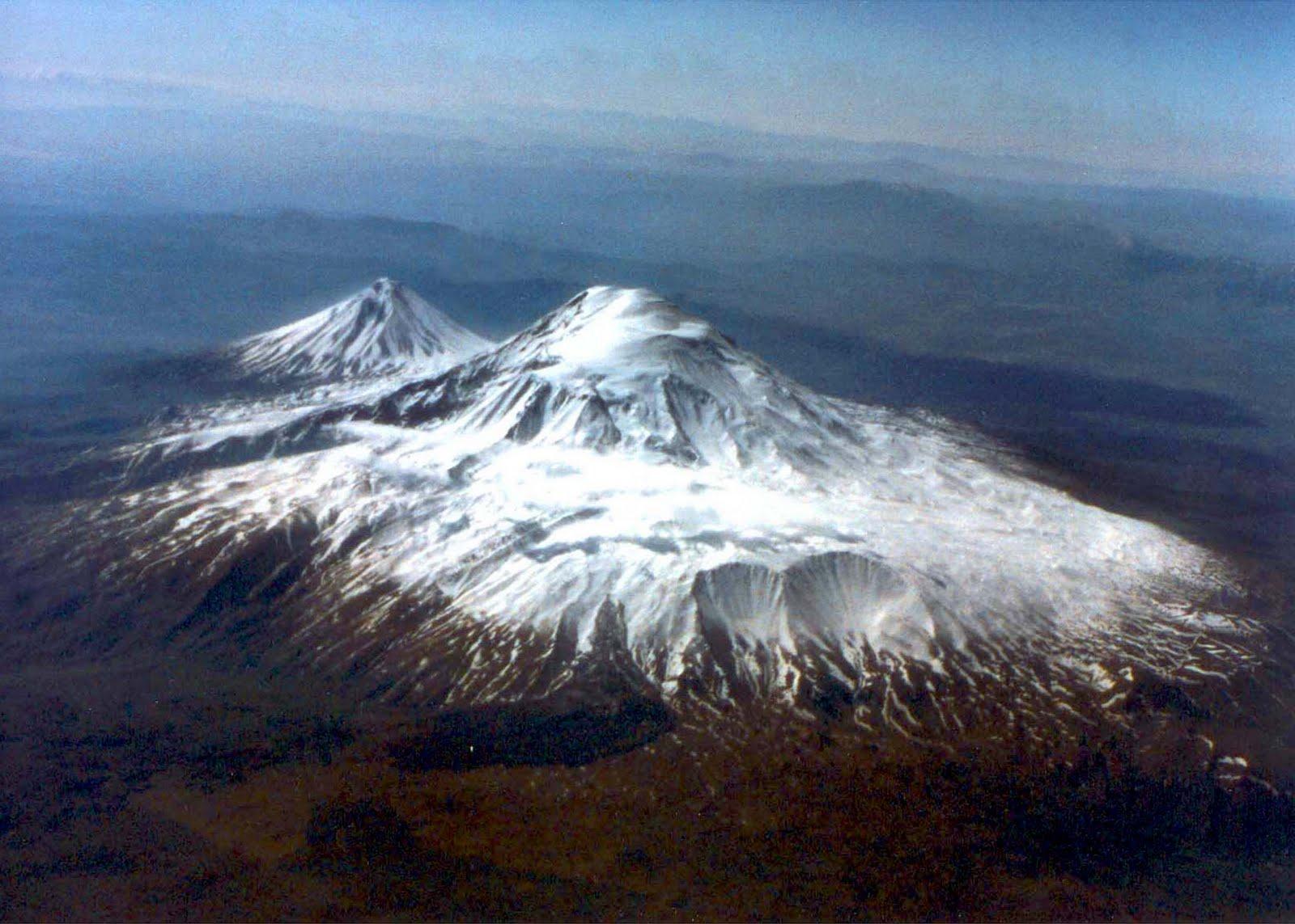 http://1.bp.blogspot.com/-D5z4xnIj7bc/TcORFBF_LZI/AAAAAAAAAB0/uqllH2yjPHY/s1600/Ararat.jpg