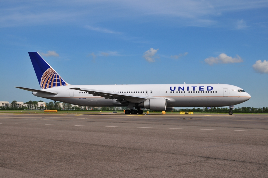 United Airlines 767 300 Flyingphotos Magazine ...