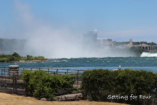 Setting for Four - Niagara Falls