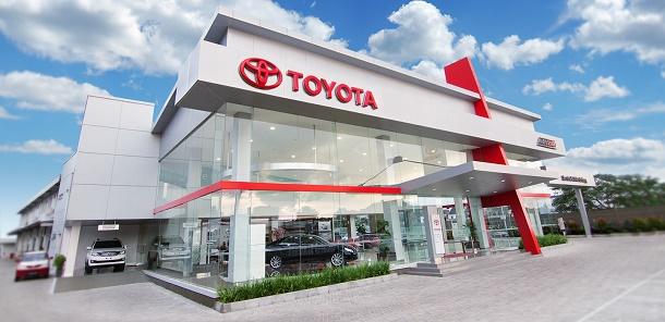 Dealer Showroom Toyota Auto 2000 Pluit, Jakarta Utara