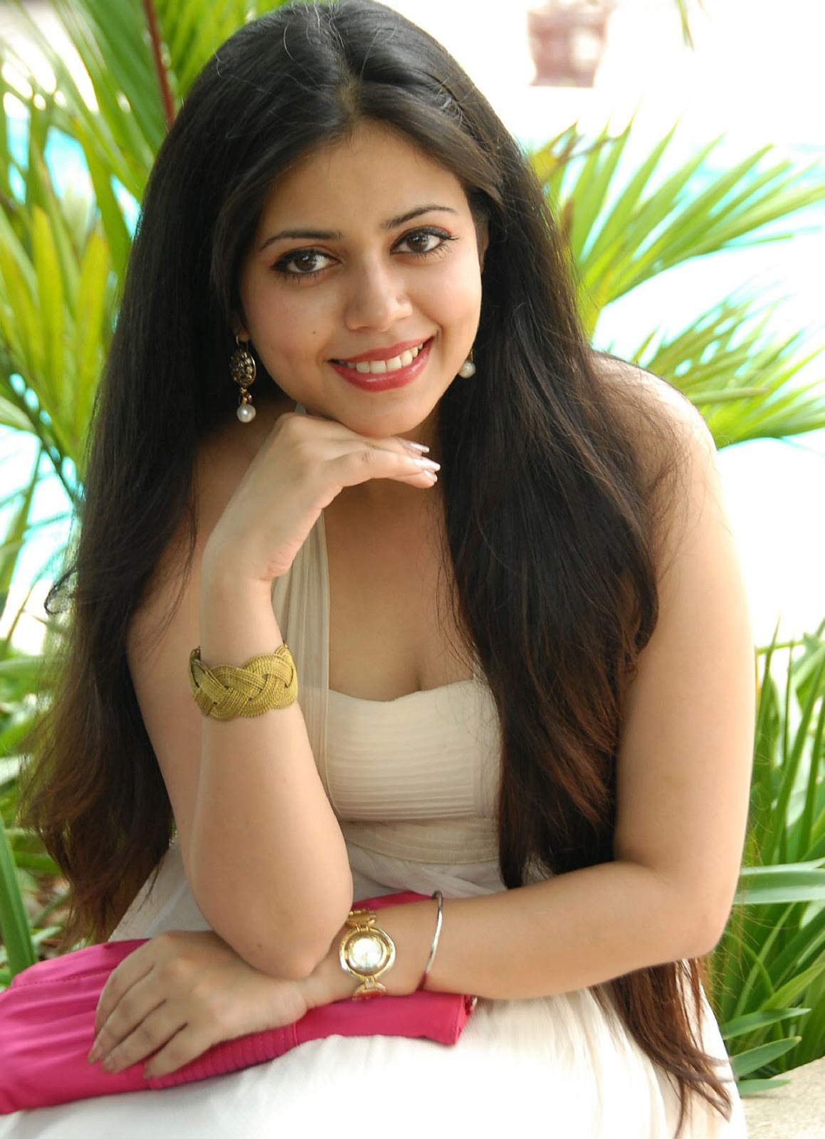 picture collection: aditi chowdary hot pics