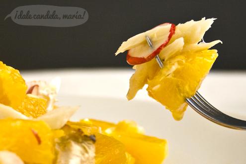 Ensalada de naranjas con bacalao, rabanillos y cebolleta