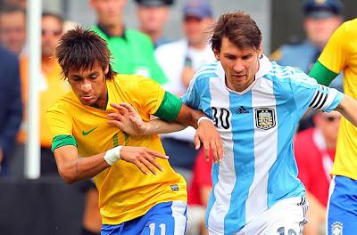 Messi-Neymar, las dos piezas claves de la partida de ajedrez que preparan adidas y Nike para Brasil 2014