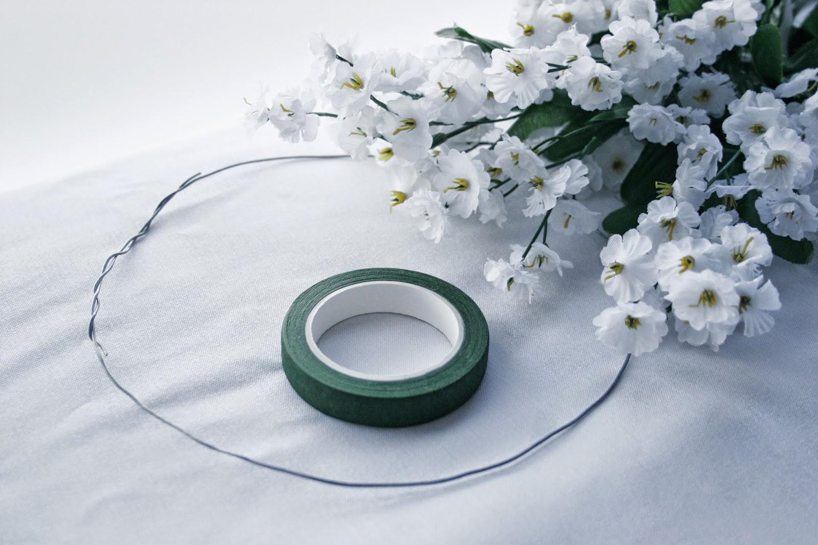 Alambre, floratape y flores artificiales - Diy corona de flores artificiales
