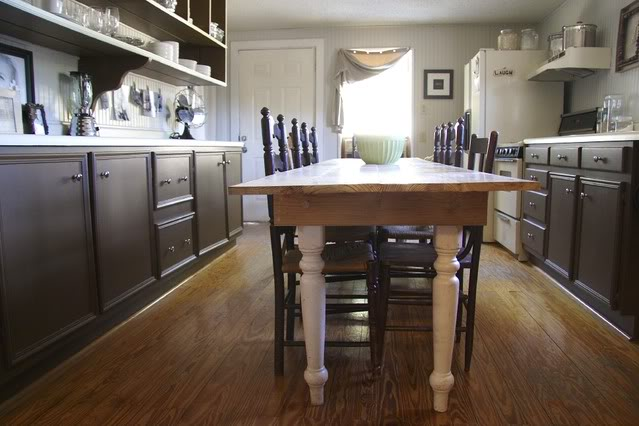 Narrow kitchen table kitchen ideas for Narrow kitchen ideas