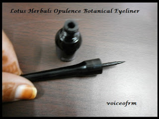 Lotus Herbals Opulence Botanical Eye Liner Applicator