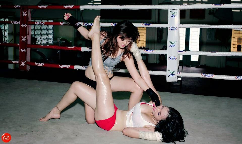 Khi phái đẹp đấu boxing 14