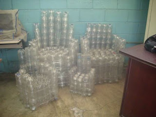 Reciplast muebles de pl stico for Mueble para botellas