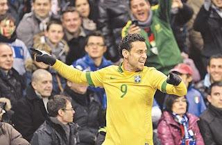 brasil-seleção-canarinho-jogadores-patrocinadores-imagem-bola