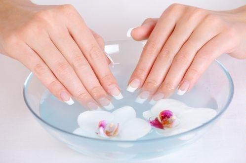 Relasé: Manicure con glitter per festa di Capodanno