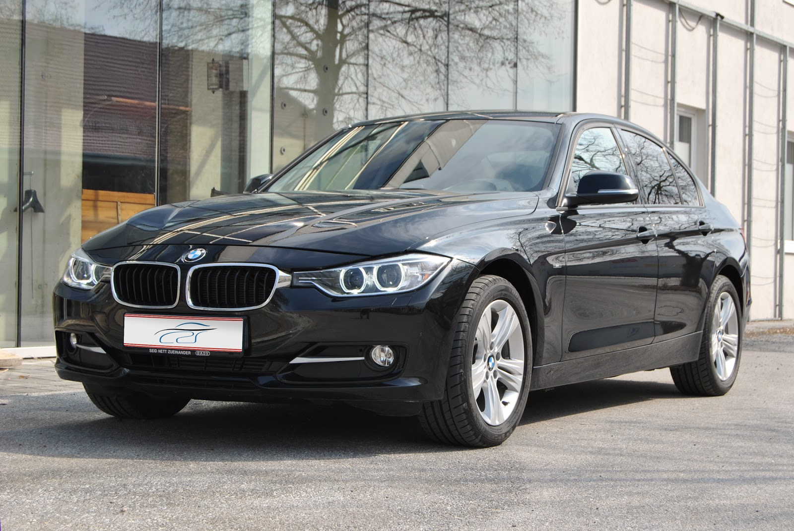 ait cars bmw 318d automatik mit vollausstattung ez 09 2012 km 143 ps 105 kw. Black Bedroom Furniture Sets. Home Design Ideas