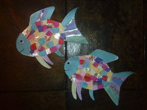 Classified mom for Rainbow fish craft