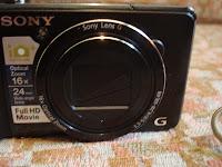 Sony DSC-HX9V lens