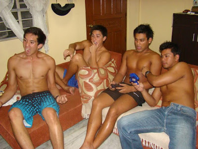 pinoy boys naked, room mates