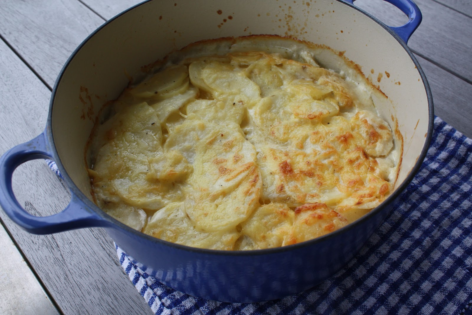 Gourmet giveaway french food safari gourmet chick scalloped potatoes from french food safari forumfinder Gallery