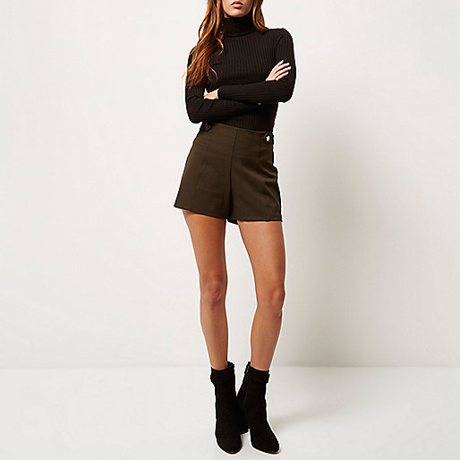high waisted button shorts, high waist khaki shorts, khaki shorts. river island high waist shorts, smart high waist shorts,