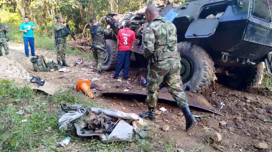 La destrucción total del blindado M1117 Pegaso del Ejército de Colombia, fue el resultado del violento ataque terrorista