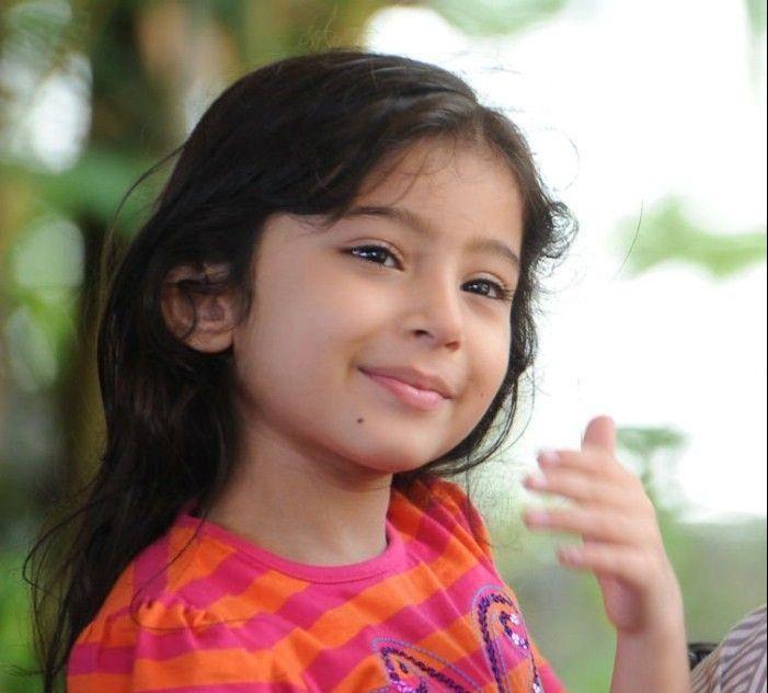 Best Pics Store: Cute Child's Mobile Wallpaper