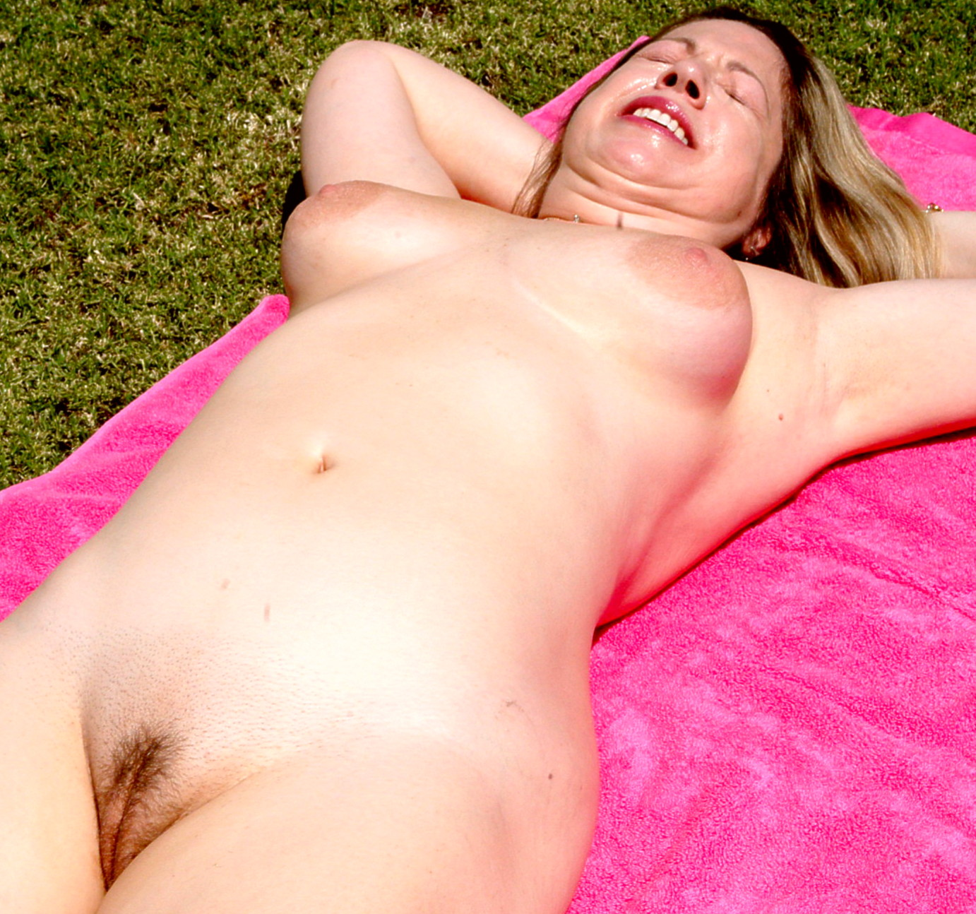 We have fantastic nude sunbathing weather at Terra Cotta Inn in sunny Palm ...