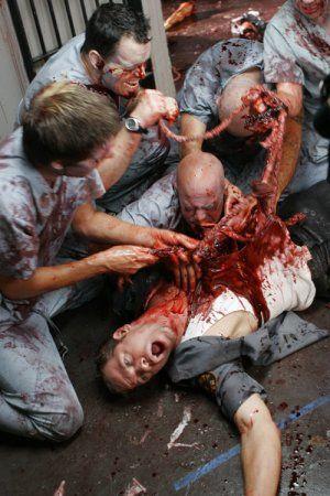 Resultado de imagen para zombie muerde