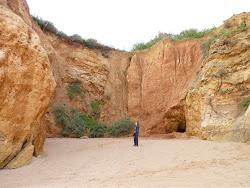 Goudgele rotswanden bij Praia da Vau