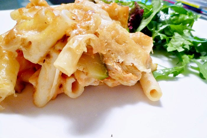 Makkaroniauflauf mit Mozzarella