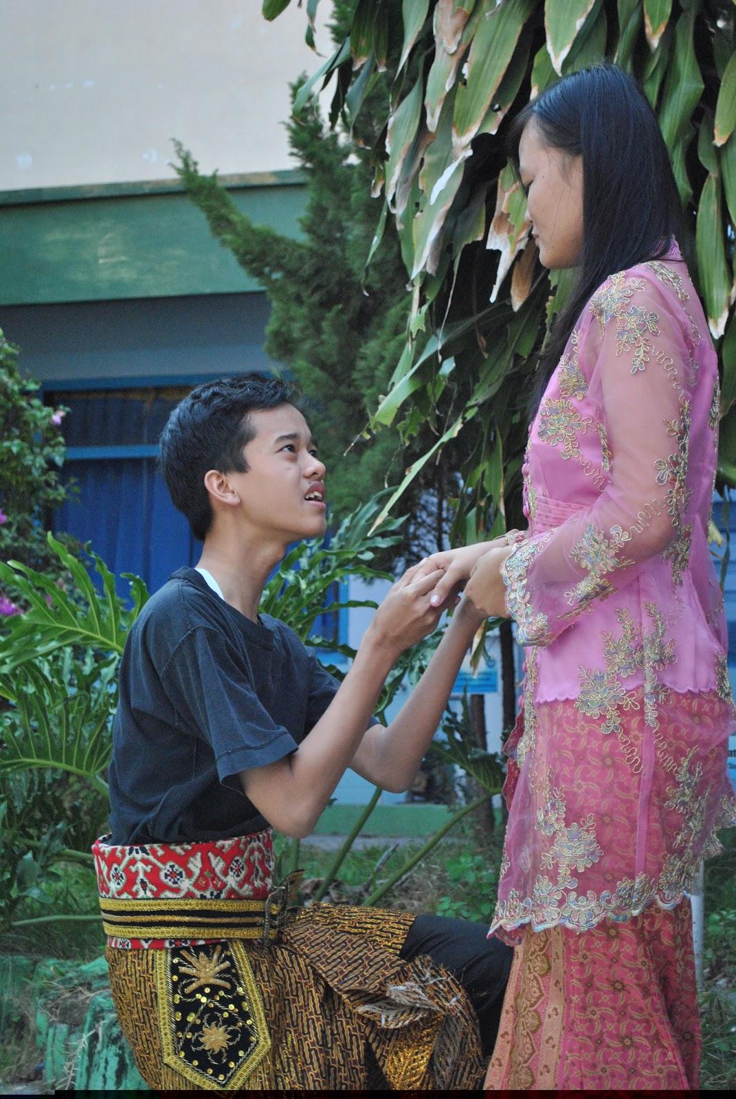 Bahasa Indonesia Task : Drama !