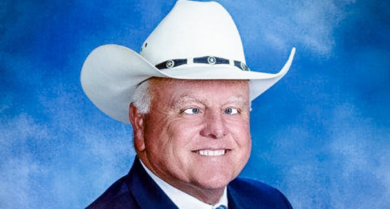 "Texas Agriculture Commissioner Sid Miller fell for the ""War on Christmas"" propaganda sold by Fox News and other far-right wingnuts."