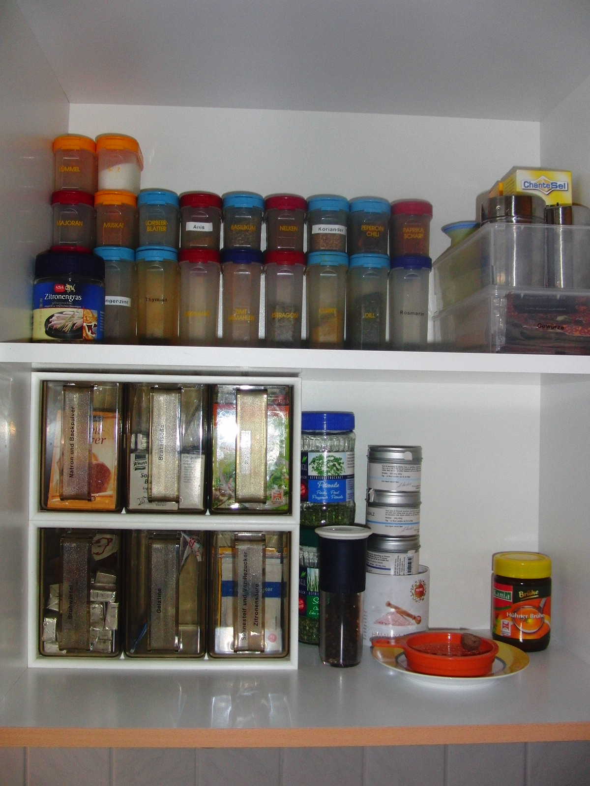 Vorratsschrank organisieren for Drehschrank kuche