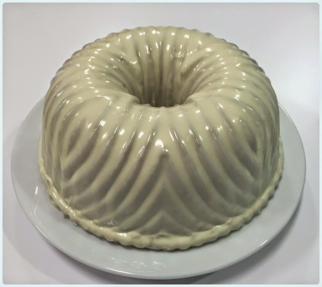 Lemon and White Chocolate Bundt Cake