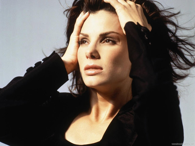 Hollywood Actress Sandra Bullock Sexy Wallpapers